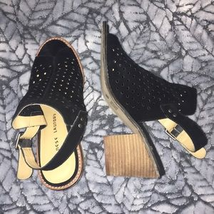 Chinese Laundry Open-toe Heeled Sandals